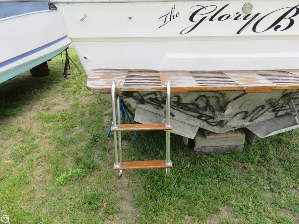 1979 Sea Ray boat for sale, model of the boat is 300 Sedan Bridge & Image # 17 of 40