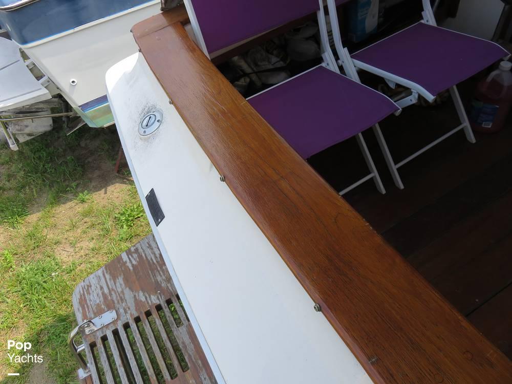 1979 Sea Ray boat for sale, model of the boat is 300 Sedan Bridge & Image # 29 of 40