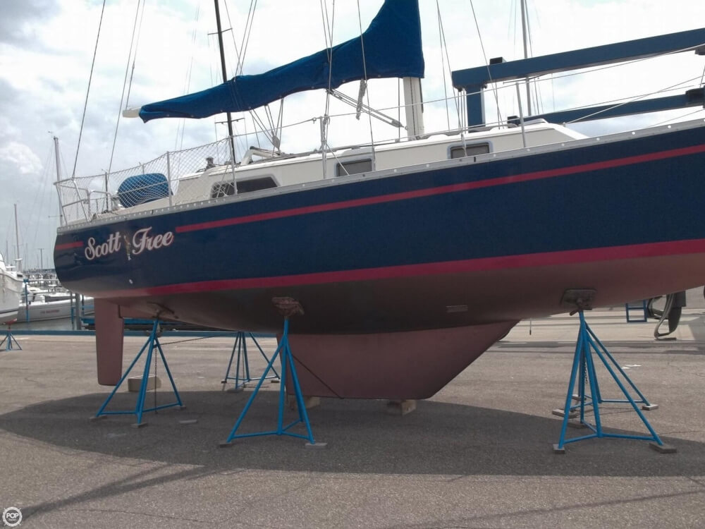 1985 Irwin boat for sale, model of the boat is 31 Citation & Image # 2 of 40