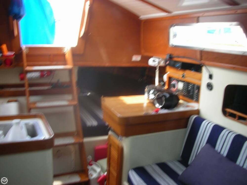 1985 Irwin boat for sale, model of the boat is 31 Citation & Image # 5 of 40