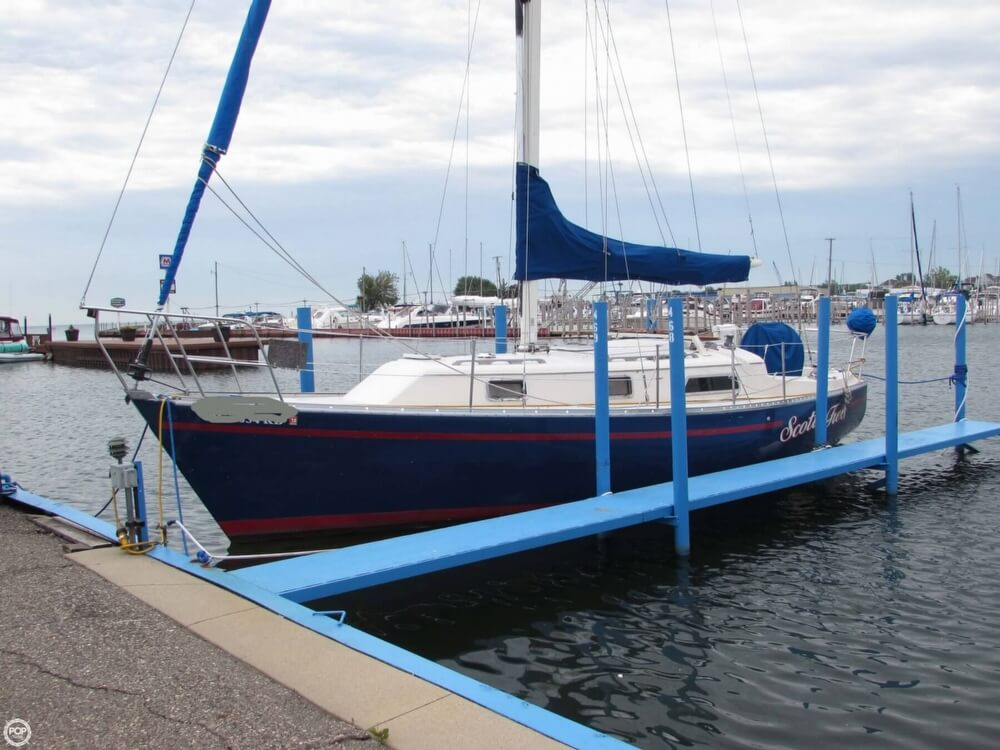 1985 Irwin boat for sale, model of the boat is 31 Citation & Image # 8 of 40