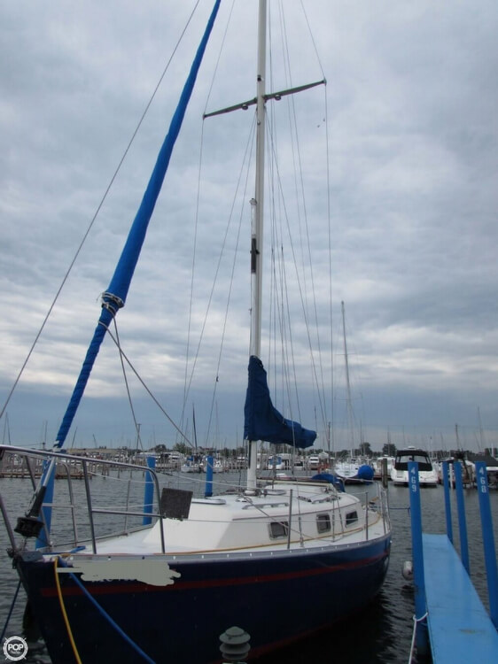 1985 Irwin boat for sale, model of the boat is 31 Citation & Image # 11 of 40
