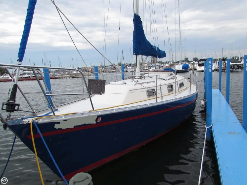 1985 Irwin boat for sale, model of the boat is 31 Citation & Image # 14 of 40