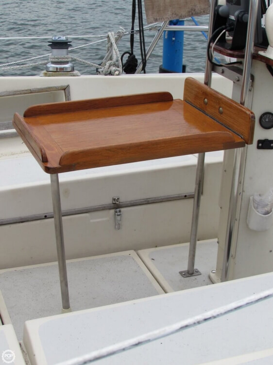 1985 Irwin boat for sale, model of the boat is 31 Citation & Image # 27 of 40