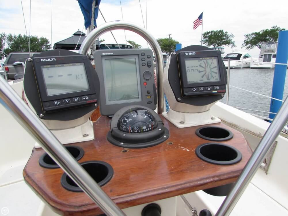 1985 Irwin boat for sale, model of the boat is 31 Citation & Image # 29 of 40