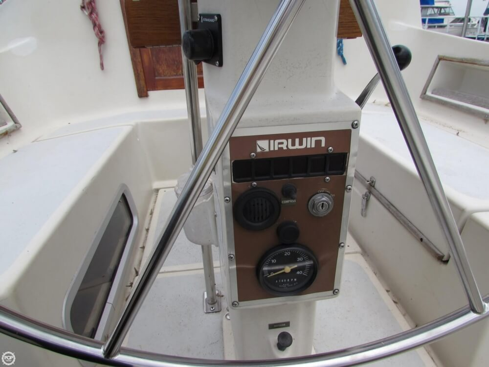 1985 Irwin boat for sale, model of the boat is 31 Citation & Image # 30 of 40