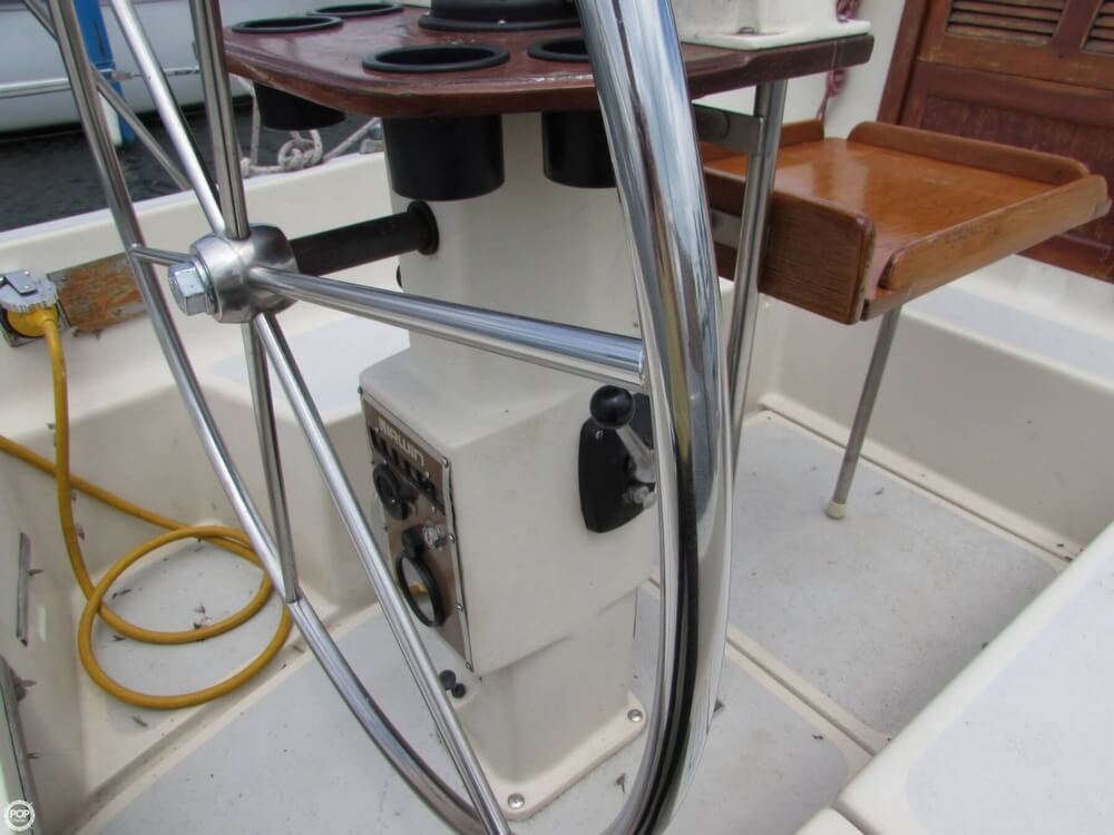 1985 Irwin boat for sale, model of the boat is 31 Citation & Image # 33 of 40