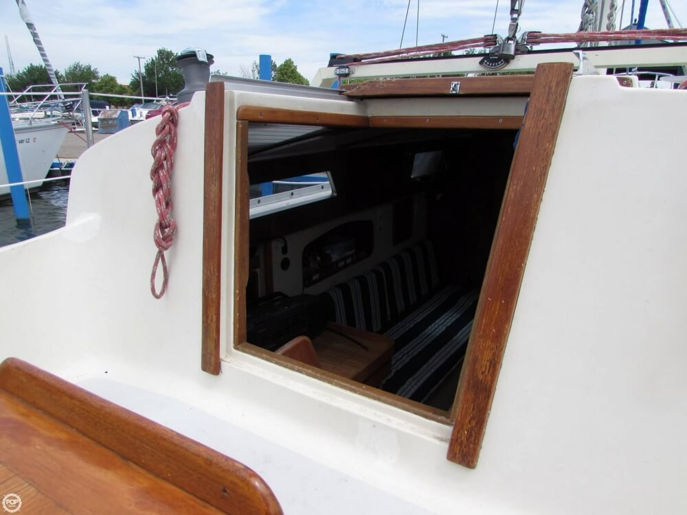 1985 Irwin boat for sale, model of the boat is 31 Citation & Image # 39 of 40