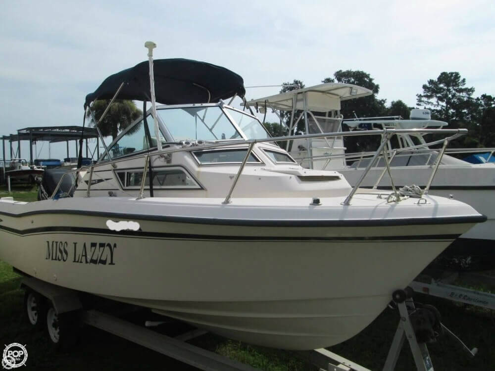 1992 Grady-White boat for sale, model of the boat is Seafarer 226 & Image # 3 of 40