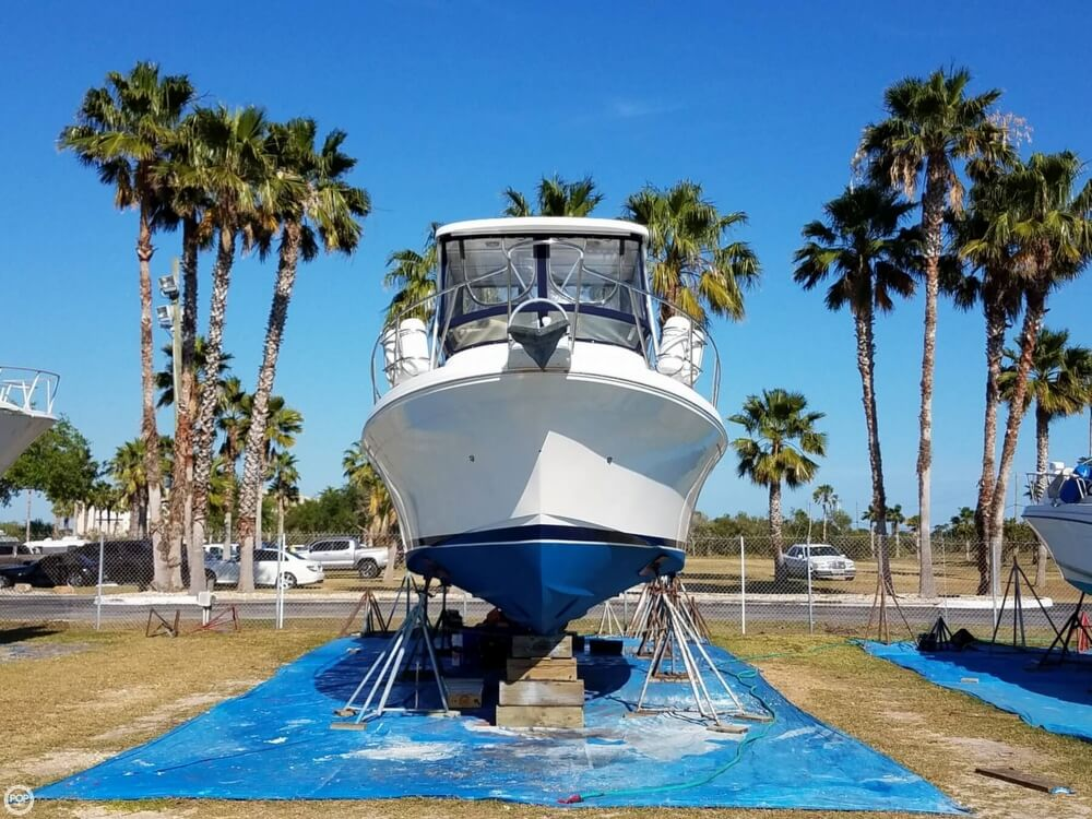 2000 Albin Yachts boat for sale, model of the boat is 32 & 2 & Image # 2 of 40
