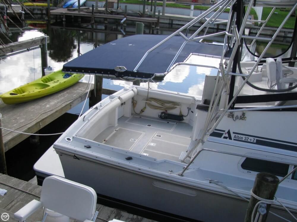 2000 Albin Yachts boat for sale, model of the boat is 32 & 2 & Image # 19 of 40