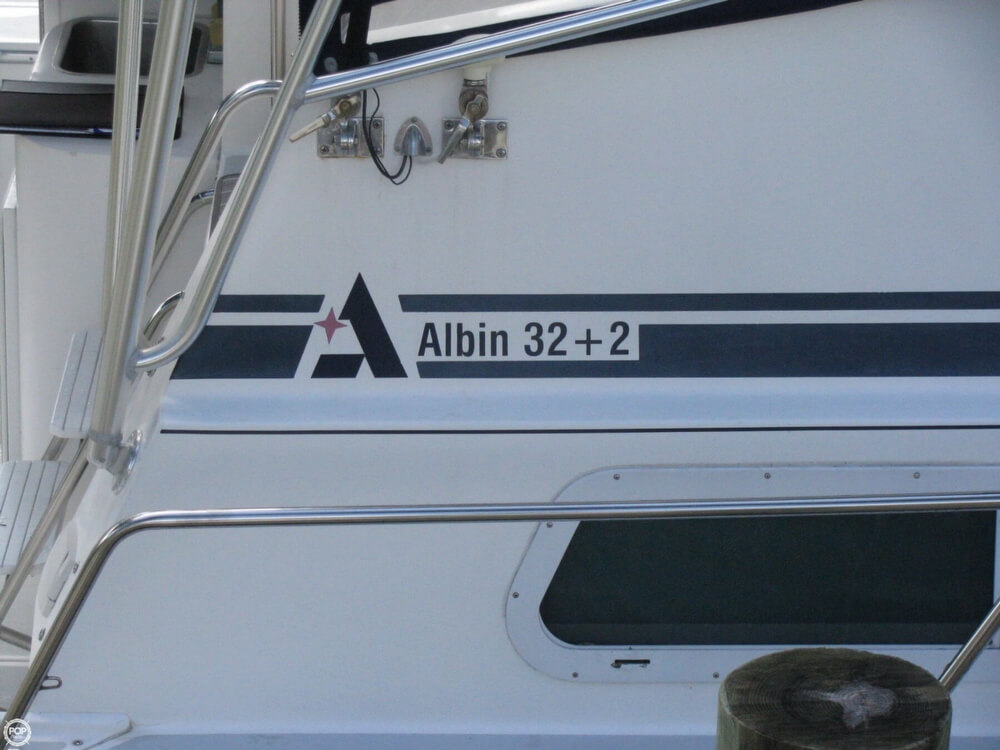 2000 Albin Yachts boat for sale, model of the boat is 32 & 2 & Image # 22 of 40