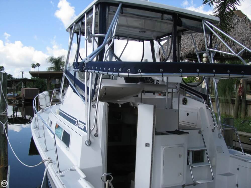 2000 Albin Yachts boat for sale, model of the boat is 32 & 2 & Image # 24 of 40