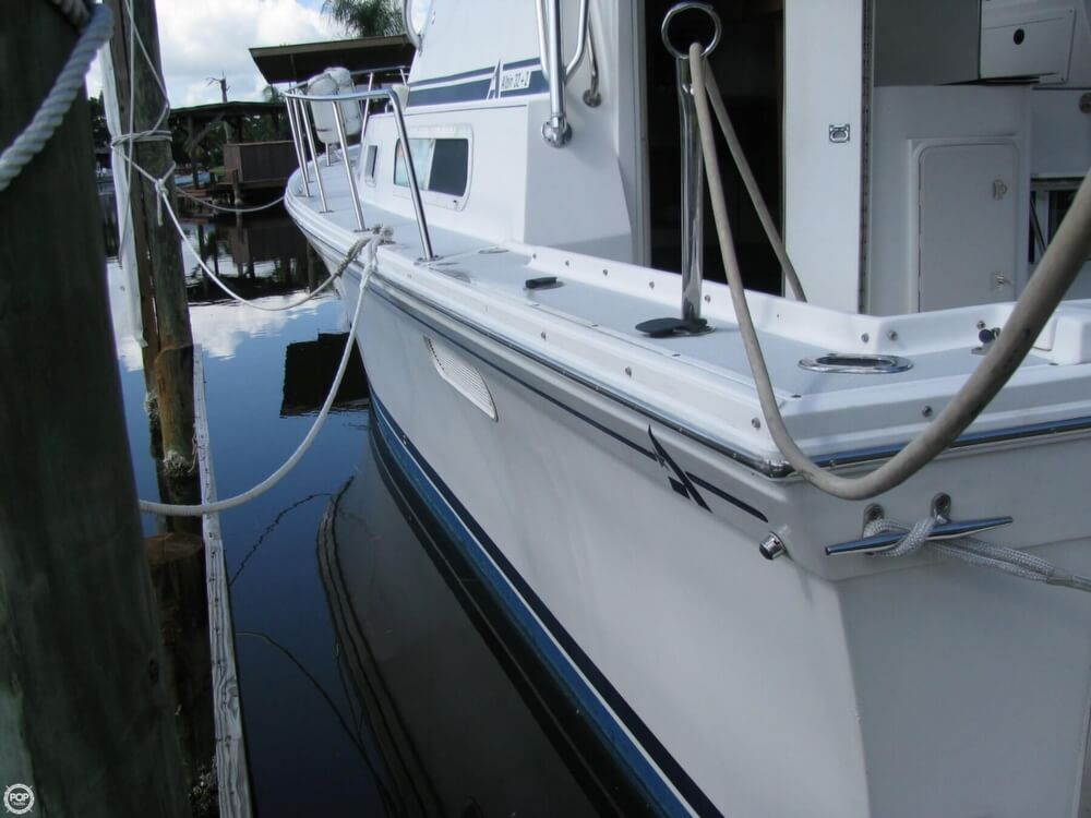 2000 Albin Yachts boat for sale, model of the boat is 32 & 2 & Image # 25 of 40