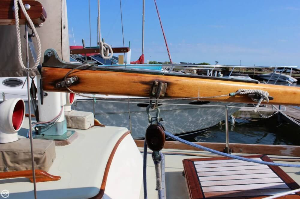 1970 Mariner boat for sale, model of the boat is 31 & Image # 32 of 40