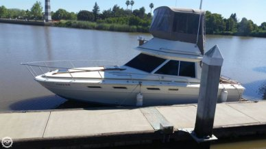 Sea Ray 300 SRV S, 29', for sale - $15,000
