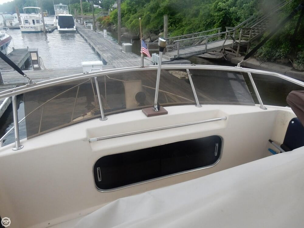 1984 Chris Craft boat for sale, model of the boat is 315 Commander Sport Fish & Image # 40 of 40