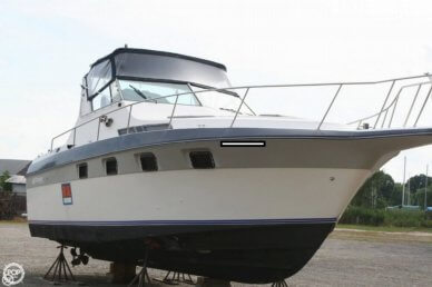 Cruisers 33, 33', for sale - $20,000