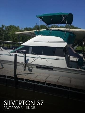 Used Fishing boats For Sale in Peoria, Illinois by owner | 1993 Silverton 37