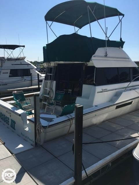 1993 Silverton boat for sale, model of the boat is 37 Convertible & Image # 2 of 15