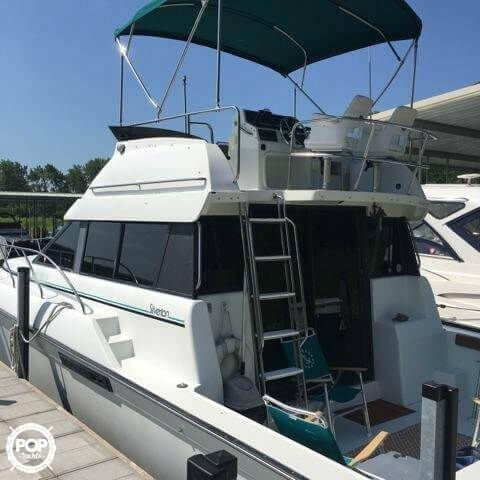 1993 Silverton boat for sale, model of the boat is 37 Convertible & Image # 3 of 15