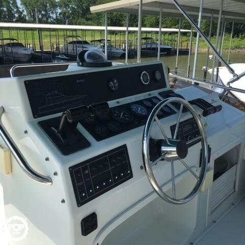1993 Silverton boat for sale, model of the boat is 37 Convertible & Image # 7 of 15