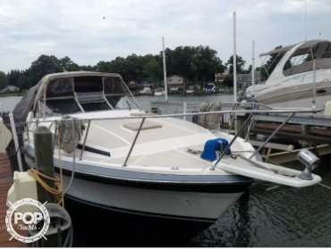 Bayliner 3250 Conquest, 32', for sale - $13,600