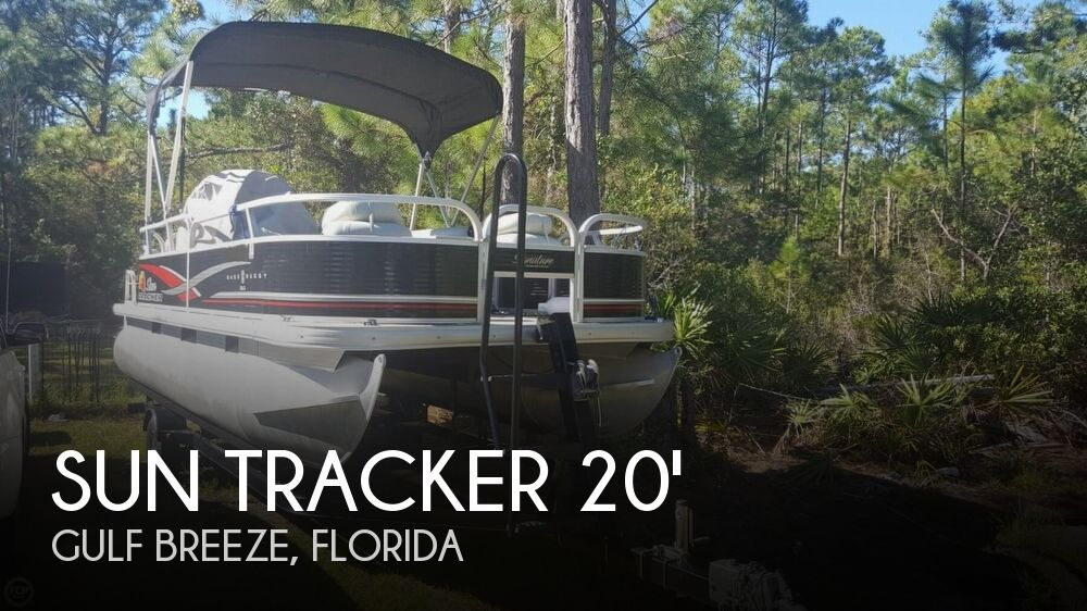 2012 Sun Tracker boat for sale, model of the boat is 18 DLX Bass Buggy & Image # 1 of 41