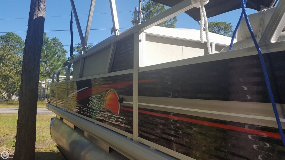 2012 Sun Tracker boat for sale, model of the boat is 18 DLX Bass Buggy & Image # 20 of 41