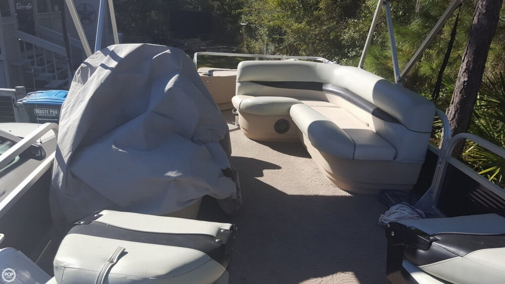 2012 Sun Tracker boat for sale, model of the boat is 18 DLX Bass Buggy & Image # 24 of 41