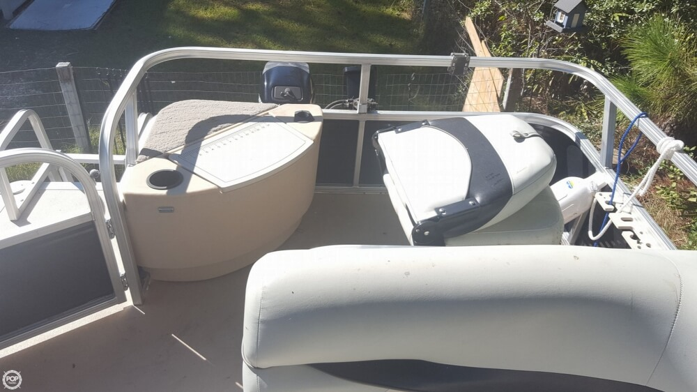 2012 Sun Tracker boat for sale, model of the boat is 18 DLX Bass Buggy & Image # 10 of 41