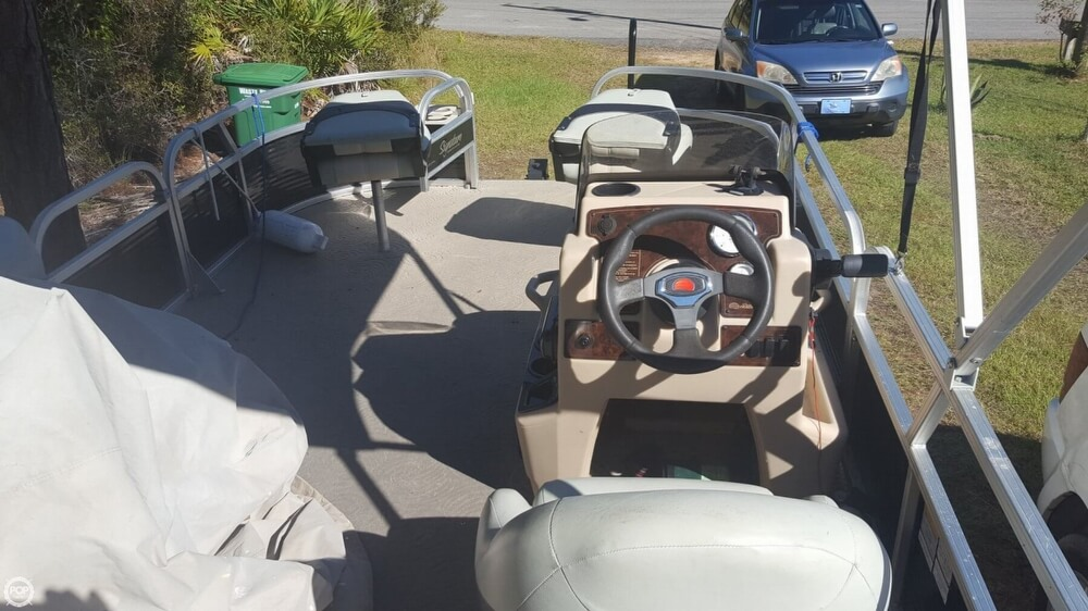 2012 Sun Tracker boat for sale, model of the boat is 18 DLX Bass Buggy & Image # 35 of 41