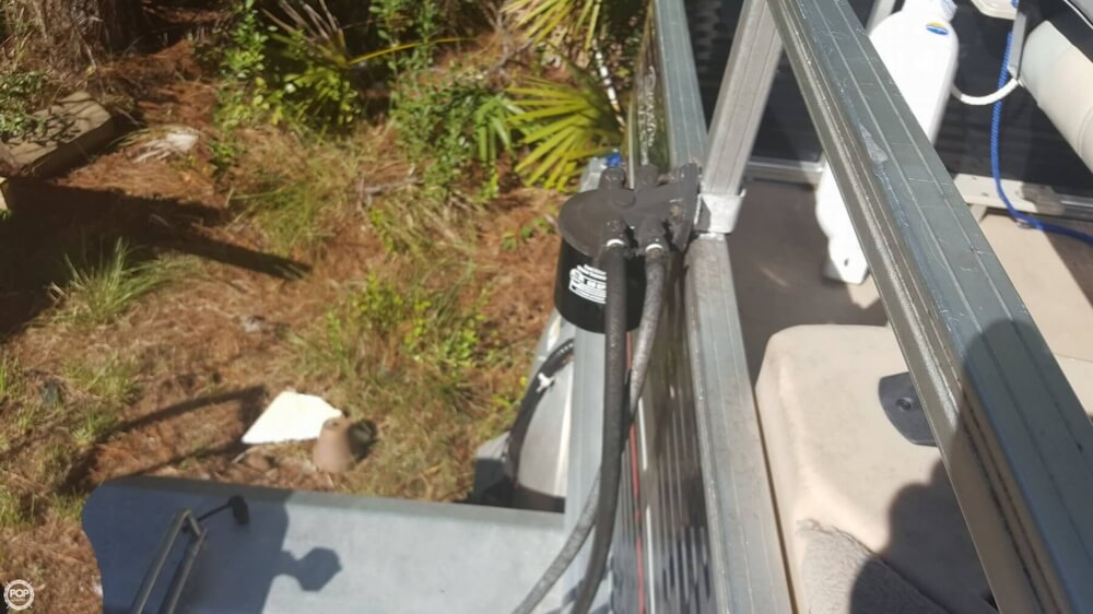 2012 Sun Tracker boat for sale, model of the boat is 18 DLX Bass Buggy & Image # 37 of 41