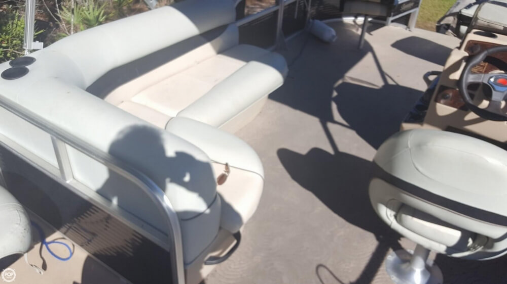 2012 Sun Tracker boat for sale, model of the boat is 18 DLX Bass Buggy & Image # 38 of 41