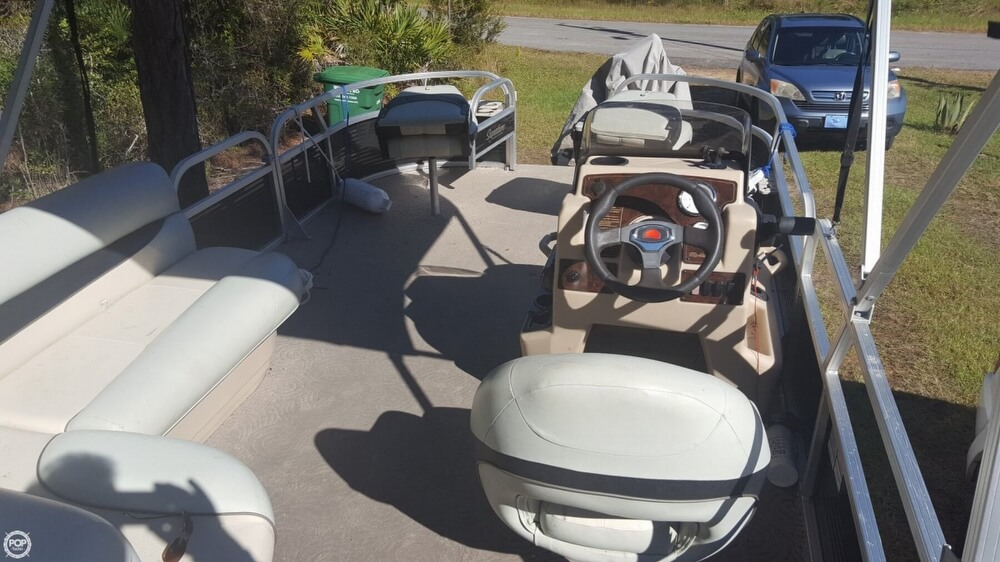 2012 Sun Tracker boat for sale, model of the boat is 18 DLX Bass Buggy & Image # 2 of 41