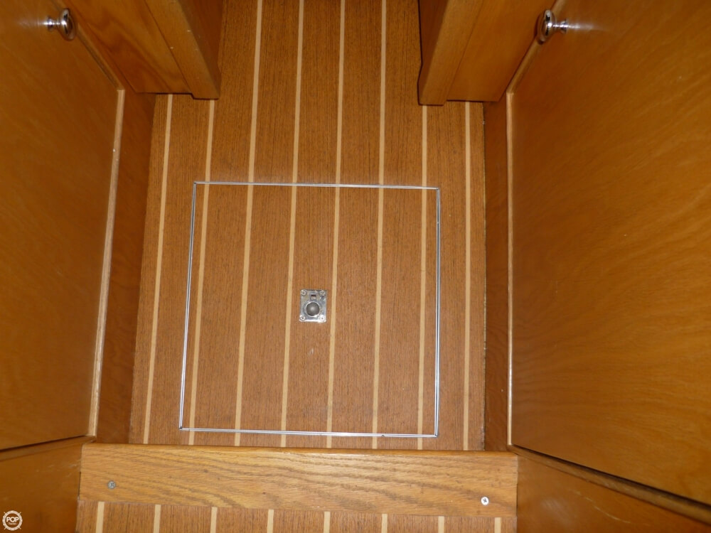 2013 Gasparek Marine Industries boat for sale, model of the boat is 33 & Image # 36 of 41