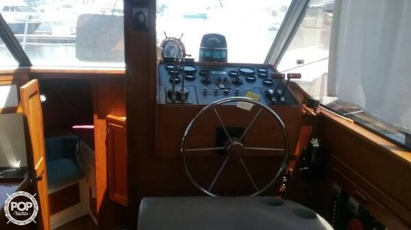 1989 Cooper Marine boat for sale, model of the boat is Prowler Sundeck 320 & Image # 9 of 40