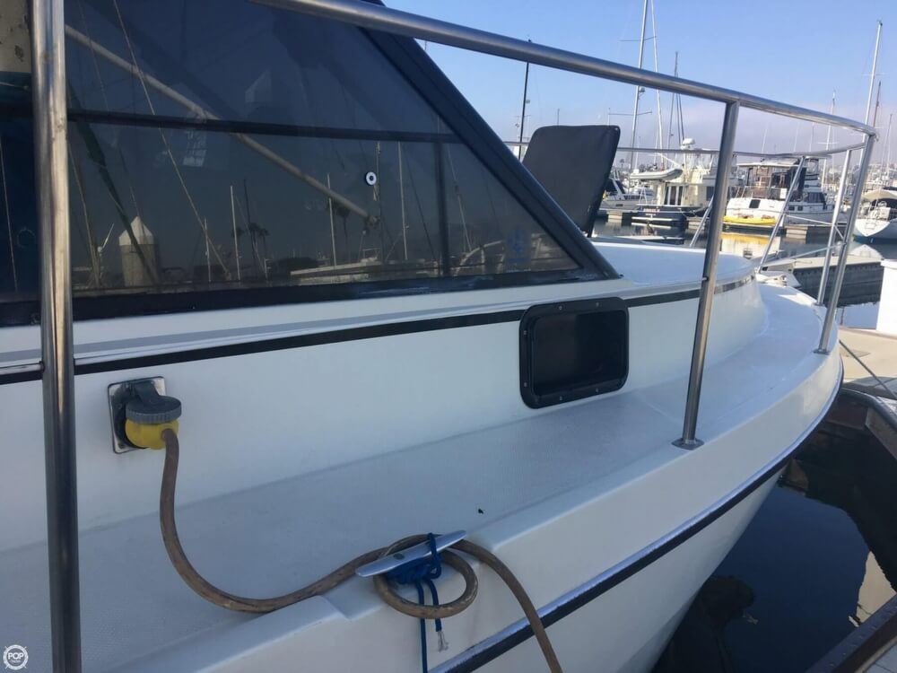 1989 Cooper Marine boat for sale, model of the boat is Prowler Sundeck 320 & Image # 37 of 40