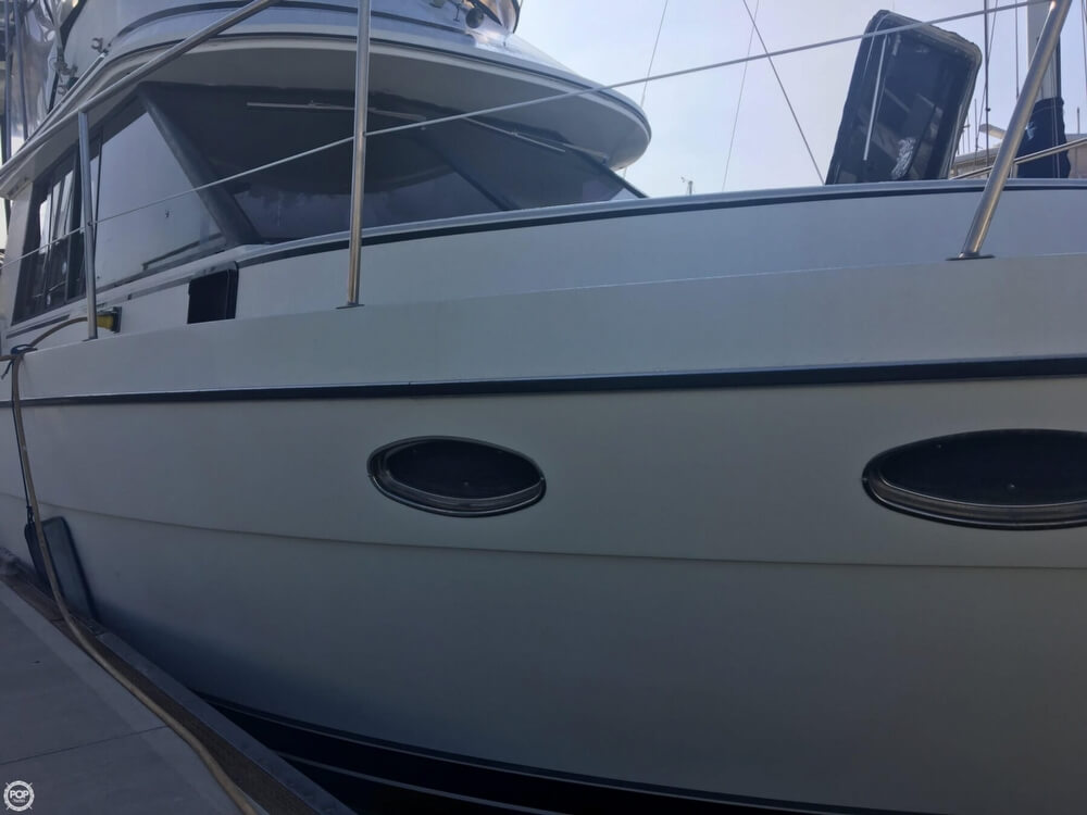 1989 Cooper Marine boat for sale, model of the boat is Prowler Sundeck 320 & Image # 39 of 40