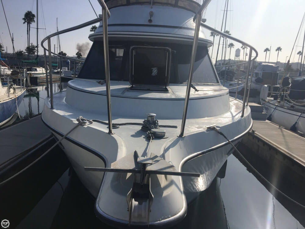 1989 Cooper Marine boat for sale, model of the boat is Prowler Sundeck 320 & Image # 4 of 40