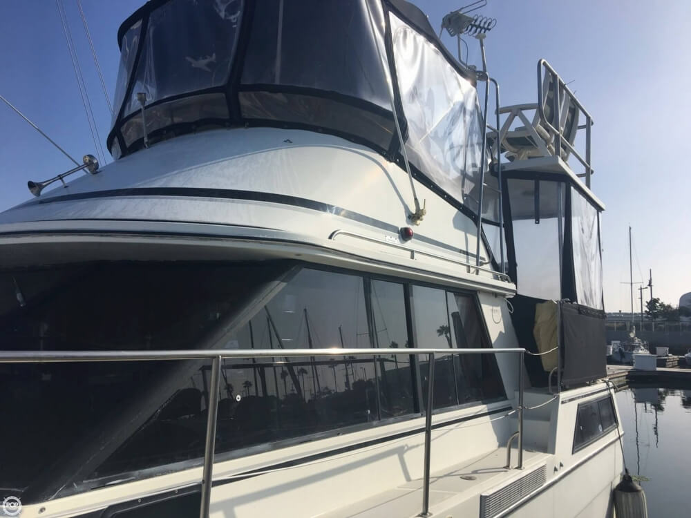 1989 Cooper Marine boat for sale, model of the boat is Prowler Sundeck 320 & Image # 2 of 40