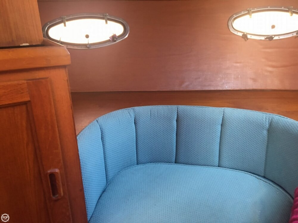 1989 Cooper Marine boat for sale, model of the boat is Prowler Sundeck 320 & Image # 23 of 40