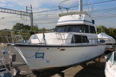 Marinette 32 Fly Bridge Sedan Cruiser, 32, for sale - $8,500