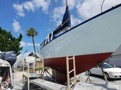 Allied 33 Luder, 33', for sale - $50,000