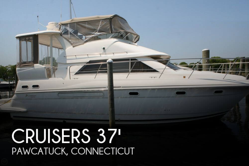 1999 CRUISERS YACHTS 3750 EXPRESS for sale