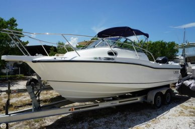 Boston Whaler 235 Conquest, 25', for sale - $44,500