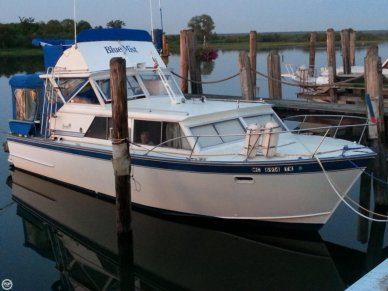 Marinette 32, 32', for sale - $18,000