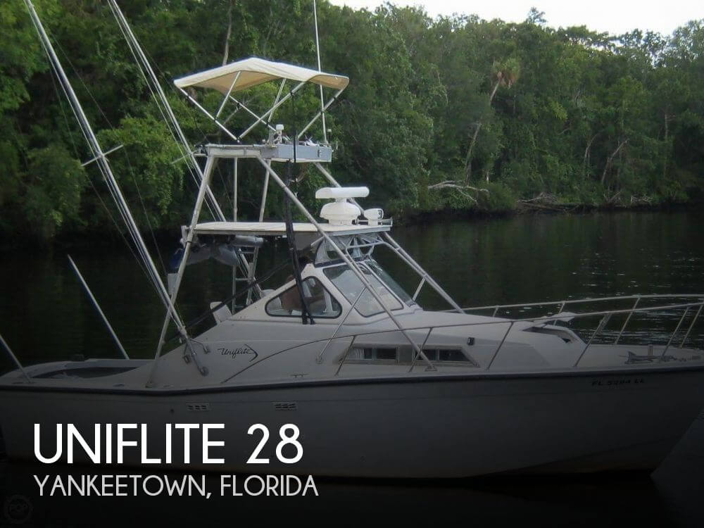 Used Fishing boats For Sale in Ocala, Florida by owner | 1972 Uniflite 28