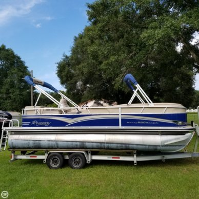 Sun Tracker Party Barge 220 Regency, 220, for sale - $26,000