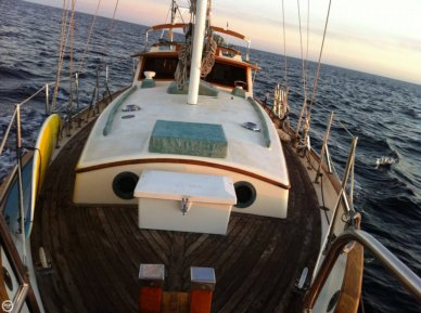 Tayana 37, 37', for sale - $58,000